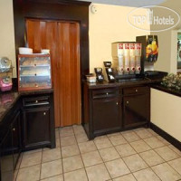 Фото отеля Econo Lodge Clinton 2*