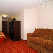 Фото отеля Best Western Plus Broadway Inn & Suites 3*