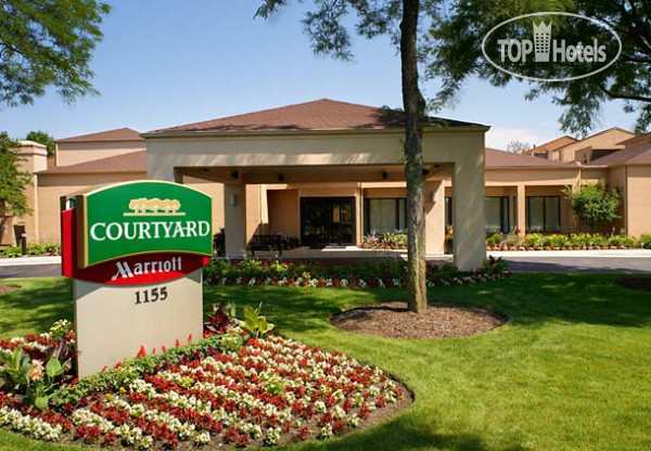 Courtyard Chicago Naperville 3*