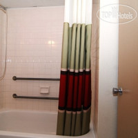 Фото отеля Red Roof Inn Bloomington 2*