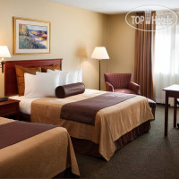 Фото отеля Club House Inn & Suites 3*