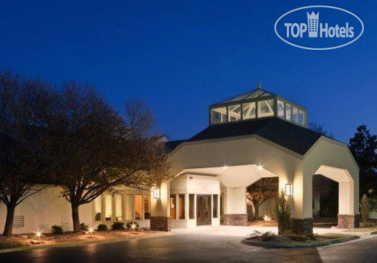 ClubHouse Inn & Suites Westmont 3*