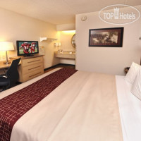 Фото отеля Red Roof Inn Charleston West - Hurricane 2*
