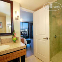 Фото отеля Wyndham Vacation Resorts Royal Garden at Waikiki 3*