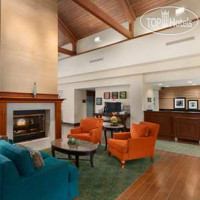 Фото отеля Hampton Inn & Suites Newport News (Oyster Point) 3*