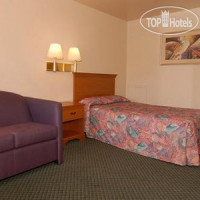 Фото отеля Econo Lodge Ft. Eustis 2*