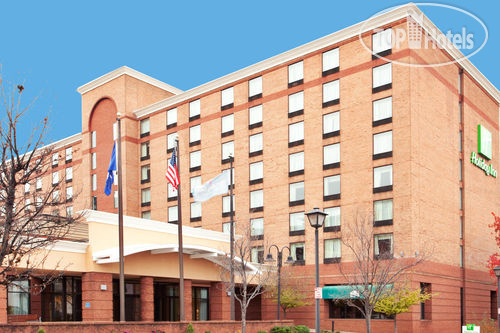 Holiday Inn Lynchburg 3*