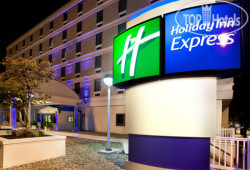 Holiday Inn Express Richmond - Downtown 2*