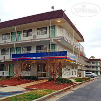 Фото отеля Motel 6 Williamsburg Hotel 2*
