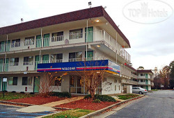 Motel 6 Williamsburg Hotel 2*