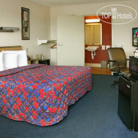 Фото отеля Red Roof Inn Charlottesville - University of Virginia 2*