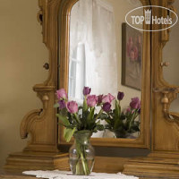 Фото отеля Colonial Gardens Bed & Breakfast 3*