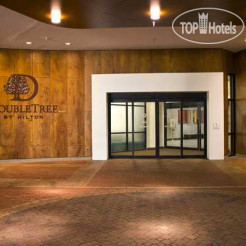 Отель DoubleTree by Hilton Washington DC-Crystal City