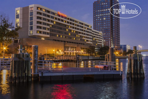 Sheraton Norfolk Waterside 4*