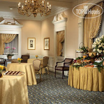 Фото отеля Waldorf Astoria Hotel & Towers 5*