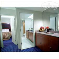 Фото отеля DoubleTree Guest Suites Times Square 4*