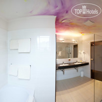 Фото отеля Wilhelmshof 4* SuiteART bathroom