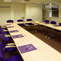 Фото отеля Premier Inn London Wimbledon South 3*