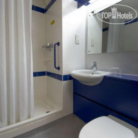 Фото отеля Travelodge Edinburgh Central 3*