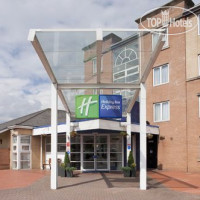 Фото отеля Holiday Inn Express Cardiff Bay 3*