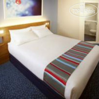 Фото отеля Travelodge Liverpool Central The Strand 3*