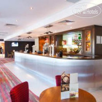 Фото отеля Premier Inn London Gatwick Airport Manor Royal 3*