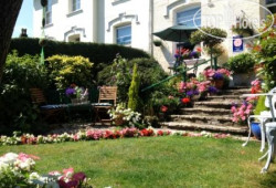 Colindale Guest House 4*