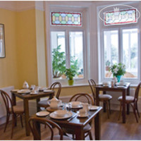 Фото отеля Breakers Guest House 4*