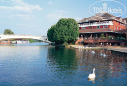 Crowne Plaza Reading 4*