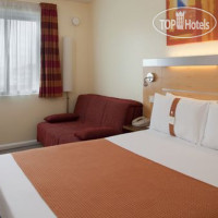 Фото отеля Holiday Inn Express London-Luton Airport 3*