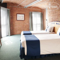 Фото отеля Holiday Inn Express Liverpool-Albert Dock 3*