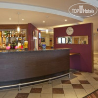 Фото отеля Holiday Inn Express Poole 3*