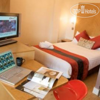 Фото отеля Roomzzz Leeds Citywest 4*