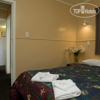 Фото отеля Econo Lodge Westshore Beach 3*