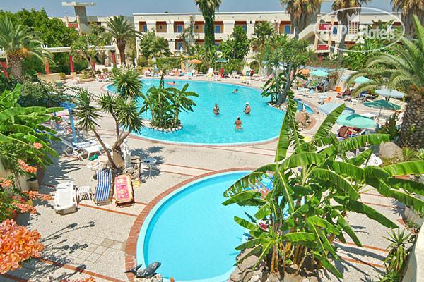 4 * фото отеля