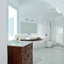 Фото отеля Canaves Oia 5* Honeymoon Suite bathroom