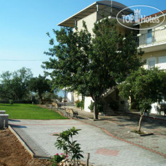 Alonia Studios & Apartments 3*