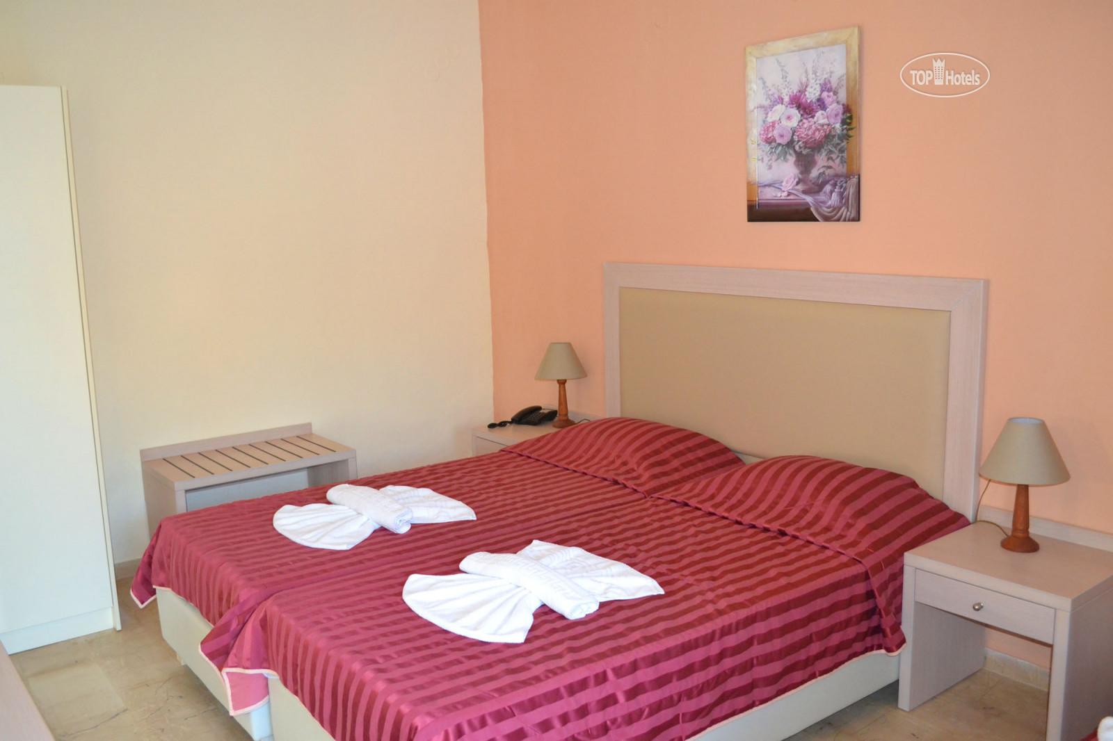 Amnissos hotel 3 фото