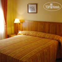 Фото отеля Hostal Laris 3*