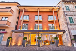 Dal Moro Gallery Hotel Assisi 4*