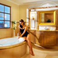 Фото отеля Alpine Majestic Wellness Resort 4*