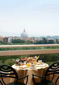 Courtyard Rome Central Park 4*