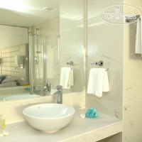 Фото отеля King Evelthon Beach Hotel & Resort 5*