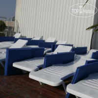 Фото отеля Mackenzie Beach Hotel & Apartments 3*