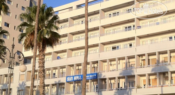 фото Sun Hall Beach Hotel Apts 3* / Кипр / Ларнака