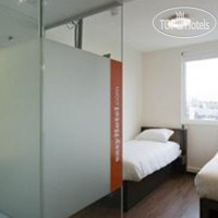 Фото отеля easyHotel Den Haag City Centre 2*