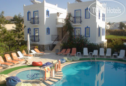 Almina Apartments 3*