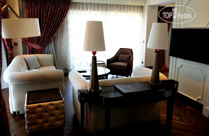 Tophotels casino royal 8