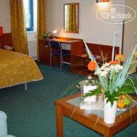 Фото отеля Ramada Airport Hotel Prague 4*