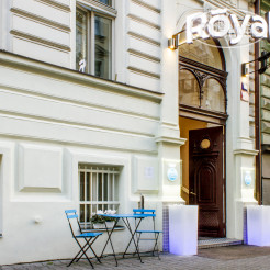 Royal Court Hotel 4*